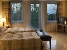 Travelminit accommodations, Hotel Azúr