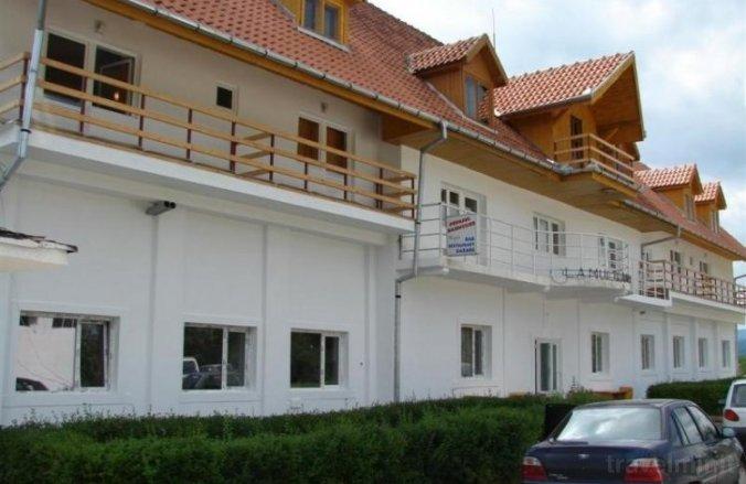 Popasul Haiducilor Kulcsosház Petrozsény