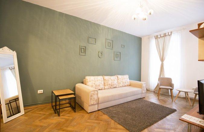 Sunny Old Town Apartment Brașov