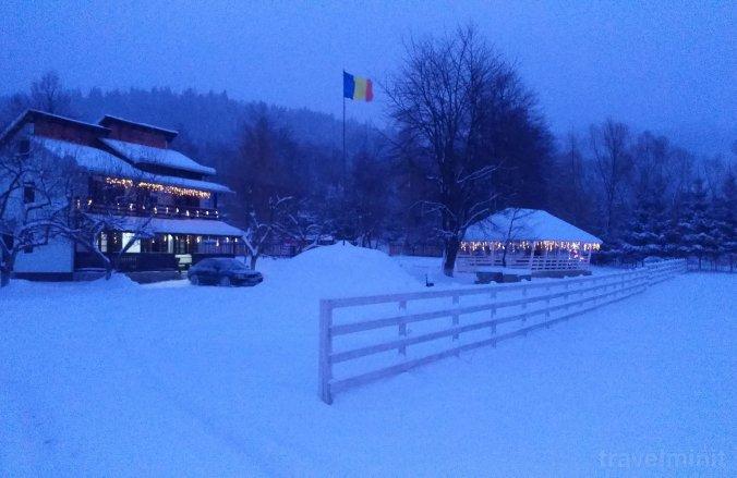 La noi în Bucovina Chalet Vama