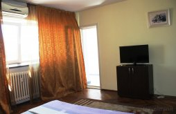 Accommodation Nuci, City Center Modern Studio