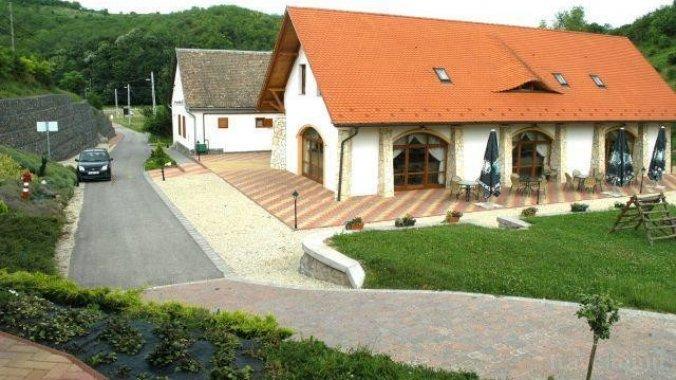 Naspolya Guesthouse Bátaapáti