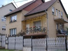 Casă de oaspeți Ungaria, Casa de oaspeți Lila Akác