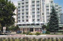 Hotel near Fortress of Deva, Hotel Sarmis