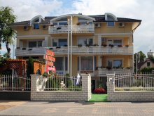 Accommodation Varsád, Apartman Bella Hotel