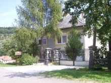 Casă de oaspeți Sajómercse, Casa de oaspeți Szakál
