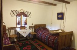Kulcsosház Păușești, Casa Tradițională Kulcsosház
