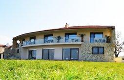 Casă de vacanță Cârjelari, Casa Miralago