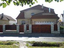 Cazare Újudvar, Casa de oaspeți Ambrózia