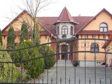 Pensiune Sajómercse, Pensiunea Hegyi