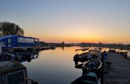 Hotel județul Tulcea, Hotel Plutitor Casa Pescarilor