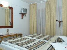 Accommodation Runc, Riki Vila