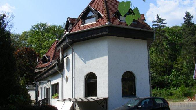 No.1 Restaurant si Pensiune Parádfürdő