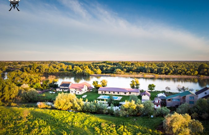 Ricks's Resort Guesthouse Crișan