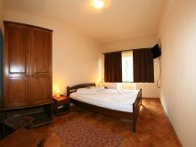 Hotel Nicolești (Ulieș), Hotel Praid