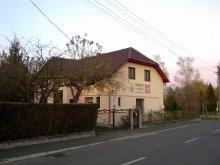 Cazare Nagydobsza, Apartament 4 Fenyő
