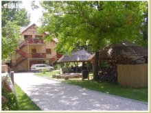 Accommodation Kalocsa, Családi Guesthouse