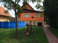 Casă de vacanță Mikebuda, Casa de oaspeți Komp