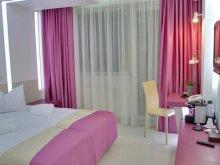 Cazare Tătărani, Hotel Christina