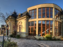 Hotel Pleșoiu (Nicolae Bălcescu), Casa cu Tei Hotel