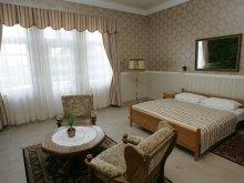 Accommodation Lukácsháza, Festetich Kastélyszálló Hotel