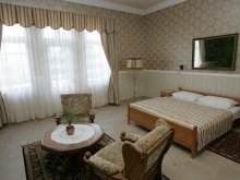 Cazare Hédervár, Hotel Festetich Kastélyszálló