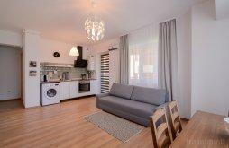 Mountain offers Mamaia, Miralex3 Apartment