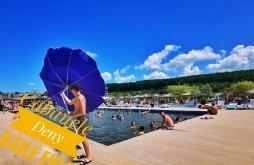 Casă de vacanță Dumbrăvița, Casutele Deny