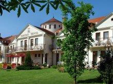 Pachet Mánfa, Hotel Ametiszt
