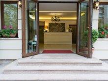 Accommodation Racovița, DBH Hotel