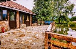 Chalet near Ocnița Swimming Pool, Căsuța dintre Ape Chalet
