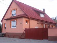 Apartament Egerbakta, Pensiunea Mónika