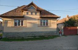 Cazare Mădăraș, Casa de oaspeți Kis Sólyom
