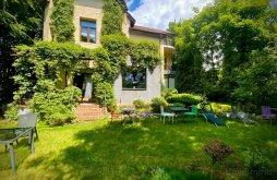 Villa Brassó (Braşov) megye, Chambers'n Charm Villa