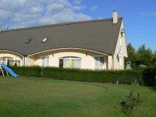 Cazare Agyagosszergény, Apartament Golf in Hungary