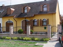Accommodation Noszvaj, Rajna Guesthouse