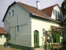 Apartment Tiszavárkony, Zsófia Guesthouse