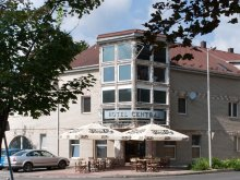 Hotel Révleányvár, Hotel Centrál és Étterem