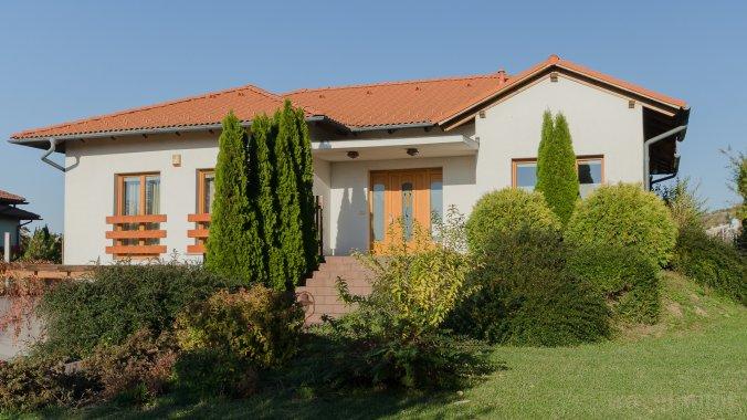 Villa Corvina Győrújbarát