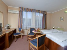 Hotel județul Heves, Hotel Unicornis