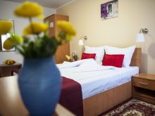 Accommodation Braniștea, Hotel La Casa