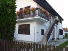 Cazare Zádor, Apartament Erika