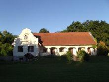 Casă de oaspeți Érsekvadkert, Casa de oaspeți Schotti