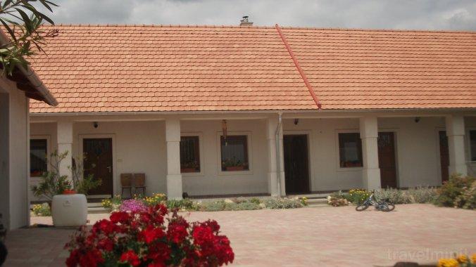 Széna Szálló Guesthouse Magyarpolány