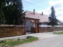 Cazare Tiszaszentmárton, Casa de oaspeți Janó