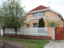 Casă de oaspeți Hosszúpályi, Casa de oaspeți Tulipán