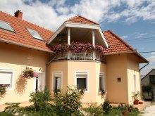Casă de oaspeți Látrány, Casa Samadare