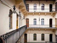 Apartment Mogyorósbánya, Oktogon Private Apartment - CityHeart Apartments