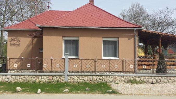Szabóék Viskója Vacation home Harkány