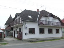 Pachet Máriakéménd, Casa de oaspeți Paprika